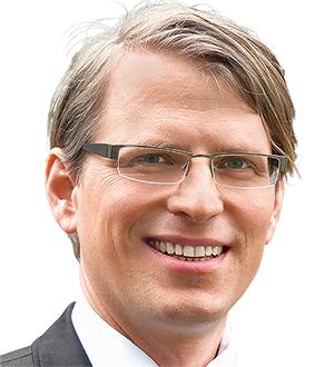 Prof. Dr. Erik Hofmann